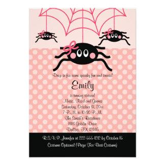 Invitaciones rosadas del cumpleaños de Halloween d