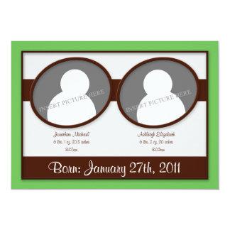 Invitaciones verdes del nacimiento de los gemelos invitación 12,7 x 17,8 cm