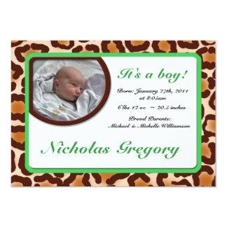 Invitaciones verdes del nacimiento del estampado invitación 12,7 x 17,8 cm