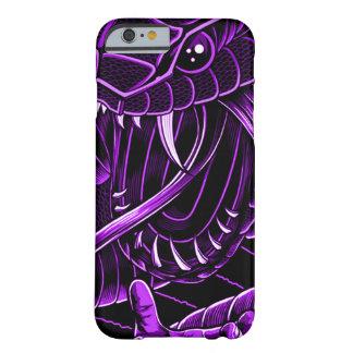 iPhone púrpura de la serpiente del diablo Funda Barely There iPhone 6