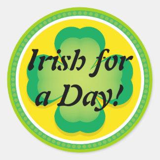 Irlandés para un trébol del día pegatina redonda
