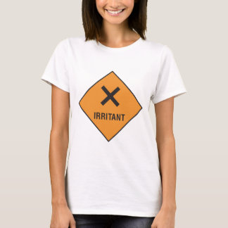 Irritante - dirija con cuidado camiseta