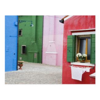 Isla de Burano, Burano, Italia. Burano colorido 2 Postal