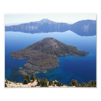 Isla del mago en el lago crater cojinete