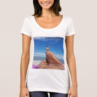 Isla impresionante de la diosa articulada usted o camiseta