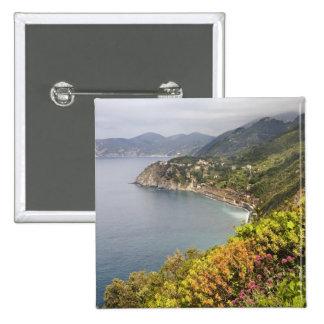 Italia. Coastal que camina área entre los pueblos Pins