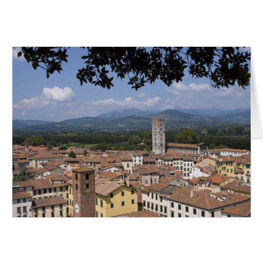 Italia, Toscana, Lucca, vista de la ciudad y 4 Tarjeton