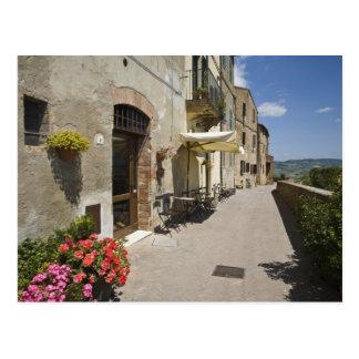 Italia, Toscana, Pienza. Calzada externa alrededor Postal