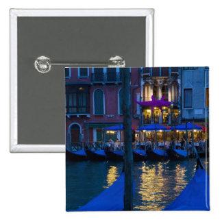 Italia, Venecia, opinión de la noche a lo largo de Pin