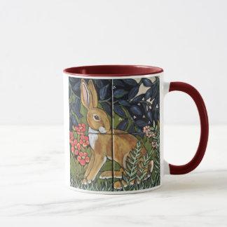 Jackrabbit en el jardín de flores, taza del diseño