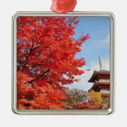 Japón, Kyoto. Templo de Kiyomizu en color del otoñ Adorno De Reyes