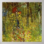 Jardín de la granja con crucifijo de Gustavo Klimt Poster