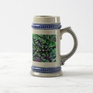 Jarra De Cerveza Arte pop abstracto del follaje en verde y púrpura