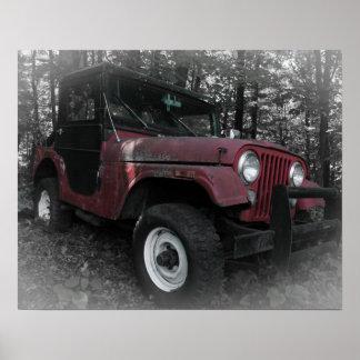 Jeep rojo con el fondo blanco y negro póster