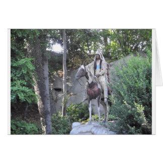 Jefe indio del nativo americano con el caballo tarjeta de felicitación