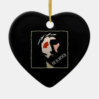 Jesucristo cristiano él es religioso subido adorno de cerámica en forma de corazón