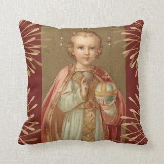 Jesús infantil de Praga Cojín Decorativo