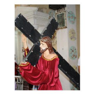 Jesús lleva la cruz postal