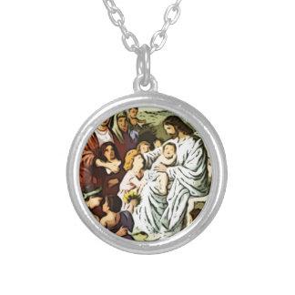 Jesús que bendice a los niños collar plateado