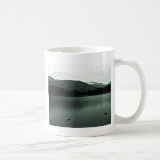 jGibne del arte snap-36648 de las montañas de Taza Básica Blanca