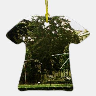 jGibney 10452a1 del baño 1986 los regalos de Adorno De Cerámica En Forma De Camiseta