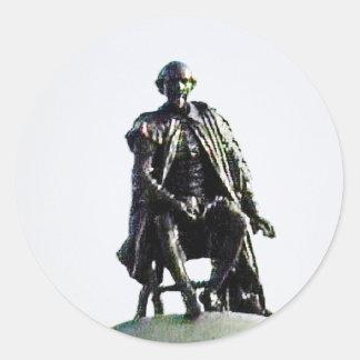 jGibney de la estatua de Stratford-sobre-Avon Pegatina Redonda