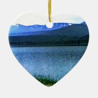 jGibney del arte -36909a1 de las montañas de Adorno De Cerámica En Forma De Corazón