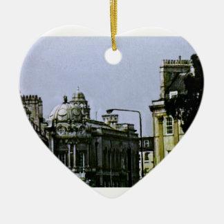 jGibney snap-0719a1 de Inglaterra 1986 del baño El Adorno Navideño De Cerámica En Forma De Corazón