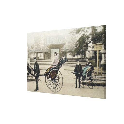 """""""Jinrikisha"""" delante de un templo, c.1880 (mano co Lona Estirada Galerías"""
