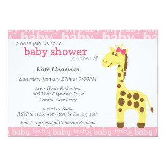 Jirafa en la fiesta de bienvenida al bebé rosada invitación 12,7 x 17,8 cm