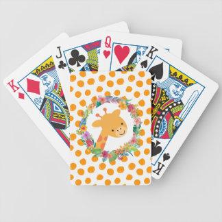 Jirafa linda con una guirnalda floral en puntos baraja de cartas bicycle
