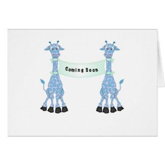 Jirafas azules que vienen pronto tarjeta de felicitación