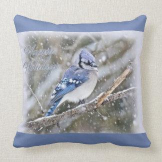 JKay azul en nieve - buenas fiestas - navidad Cojín Decorativo