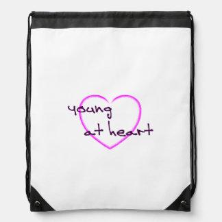 Jóvenes en el corazón mochilas