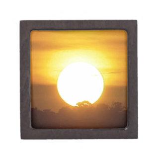 Joyero el kground añade la puesta del sol CONOCIDA de la