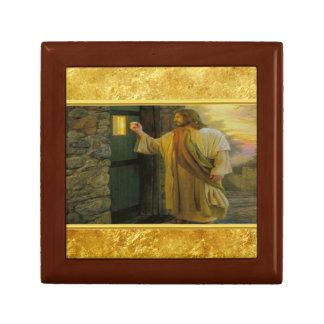 Joyero Jesús en su puerta con un diseño del efecto
