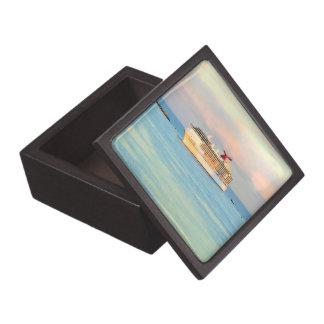 Joyero Salida del sol en colores pastel con el barco de