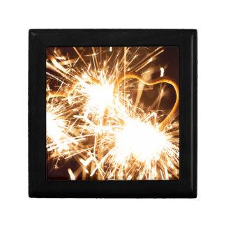 Joyero Sparkler ardiente en forma de un corazón