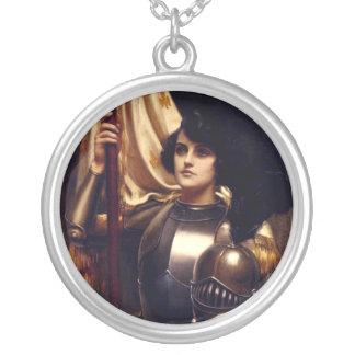 Juana de Arco Collar Plateado