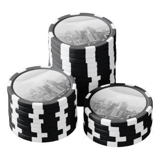 Juego De Fichas De Póquer Chicago blanco y negro en el día de niebla
