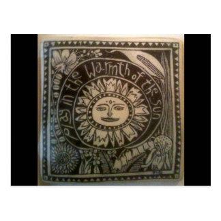 juegue en el calor de la baldosa cerámica del sol tarjeta postal