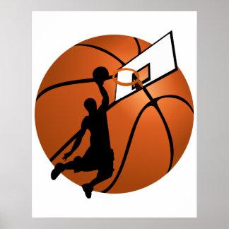Jugador de básquet w/Hoop de la clavada en bola Póster