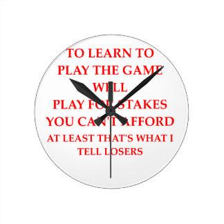 jugador del juego reloj redondo mediano