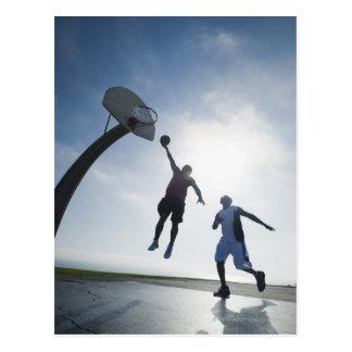 Jugadores de básquet 5 postal