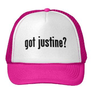 ¿Justine conseguida? Gorras