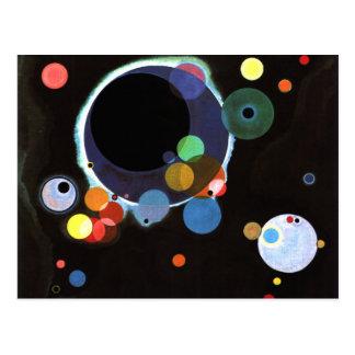 Kandinsky - varios círculos postal