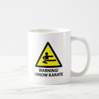 Karate amonestador taza clásica