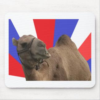 Keep calm & Be camel Alfombrillas De Ratón