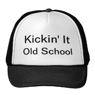 Kickin él, escuela vieja gorras de camionero