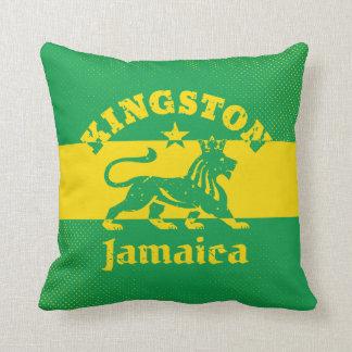 Kingston Jamaica con el león de Rastafarian Cojín Decorativo